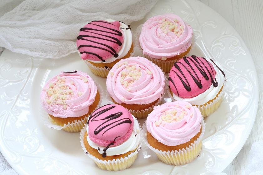 cupcakes s růžovou polevou
