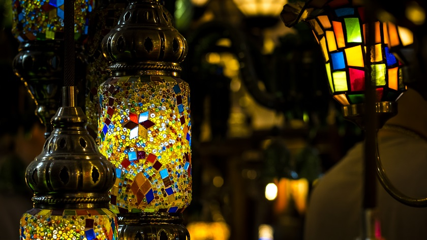 marocká tepaná lampa
