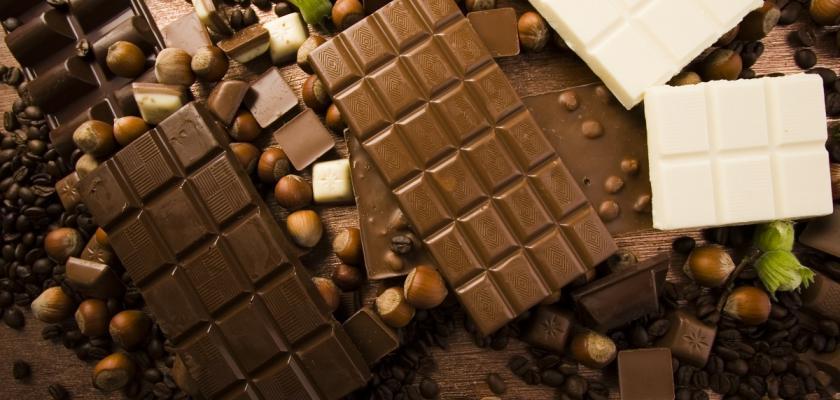 tabulky hořké a mléčné čokolády