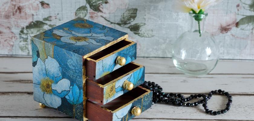 dekupáž modrá klenotnice