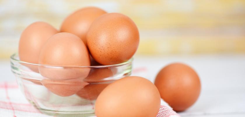 vajíčka ve skleněné misce