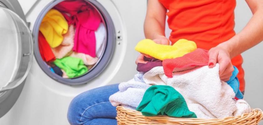 práce s prádlem