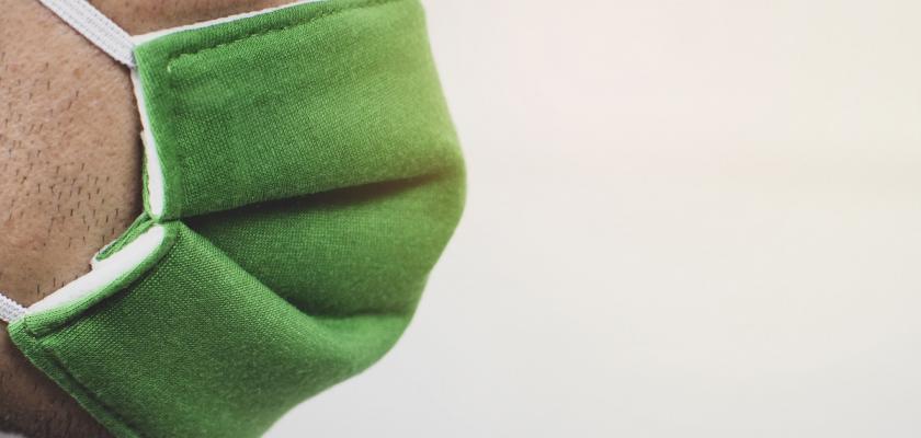 zelená látková rouška