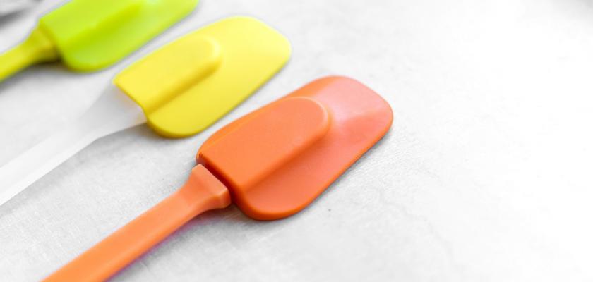 barevné kuchyňské špachtle