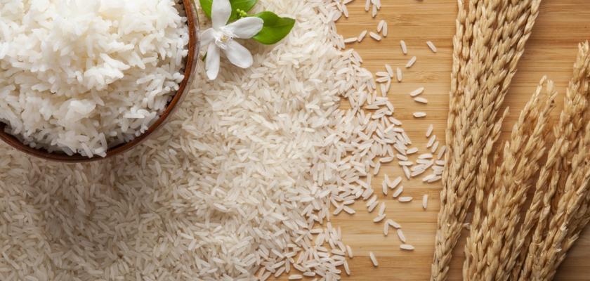 jasmínová rýže v misce