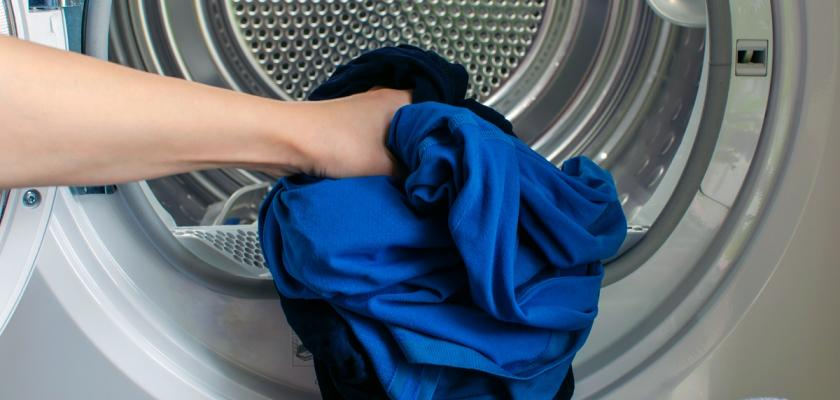 modré prádlo do sušičky