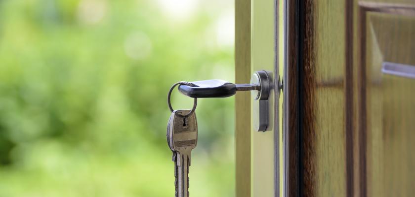 dveře s klíčem