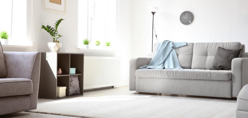 kusový šedivý koberec