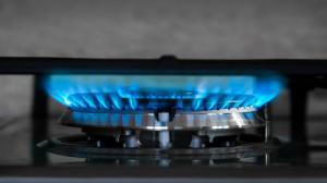 Chcete ušetřit za plyn? Pomůže i zdánlivá drobnost, vyčištění trysek sporáku