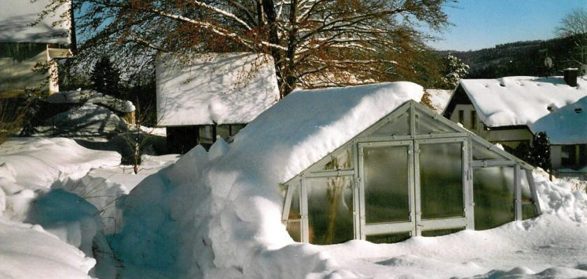 sklenik-v-zime2