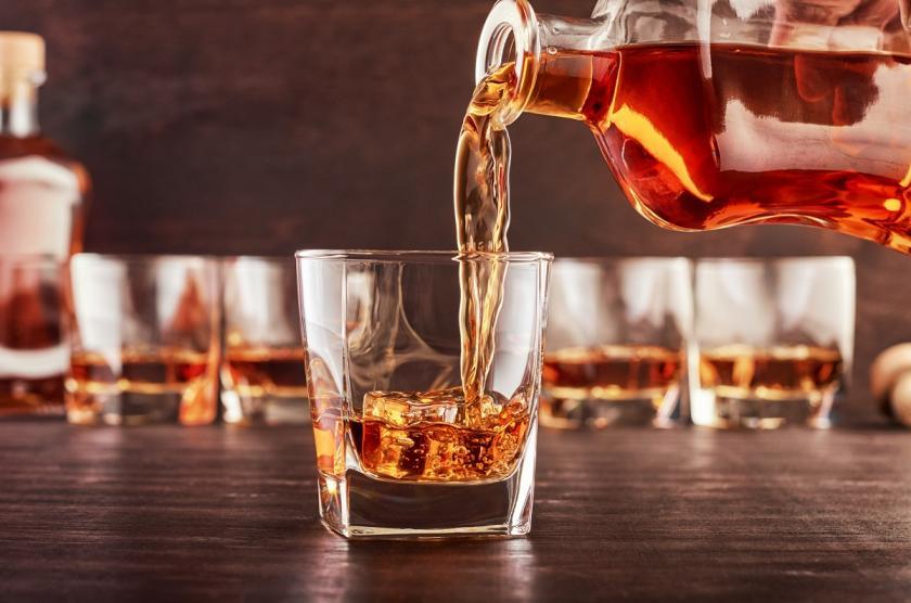 sklenička rumu