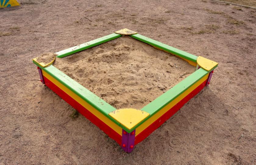 barevné pískoviště