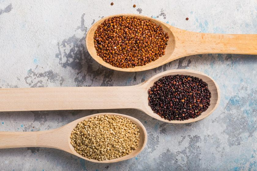 různobarevná quinoa
