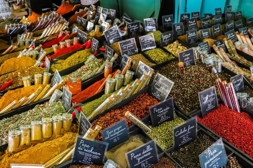 trh s kořením