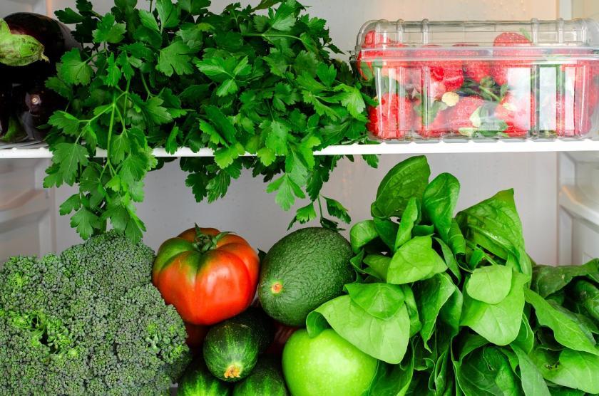 saláty v ledničce