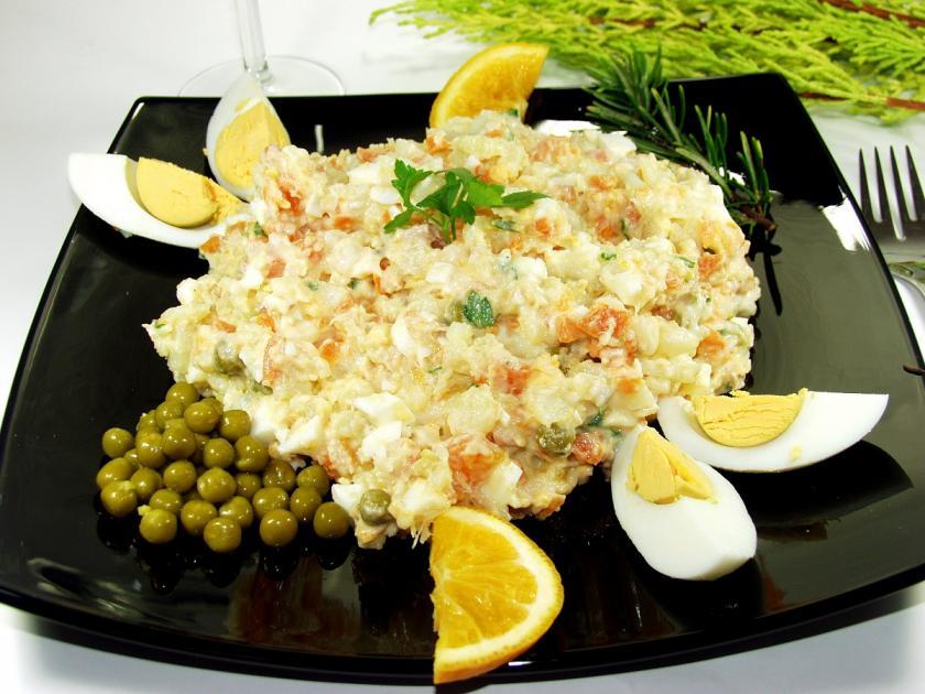 bramborový salát s hráškem