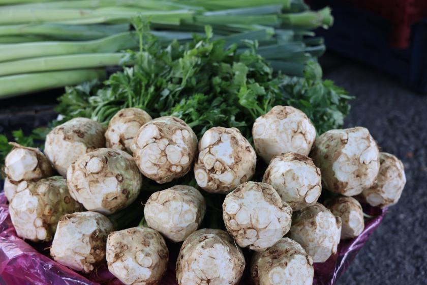 oloupaný celer