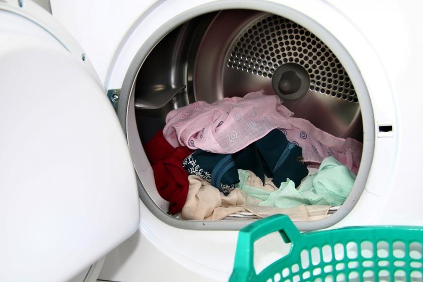 prádlo v sušičce