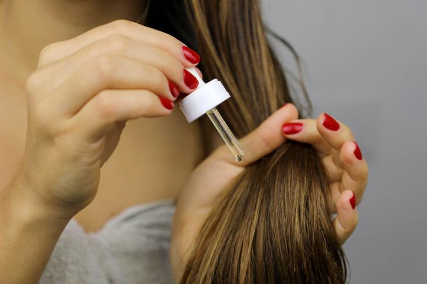 mandlový olej na vlasy