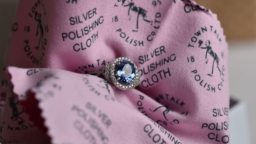 hadřík na čištění šperků